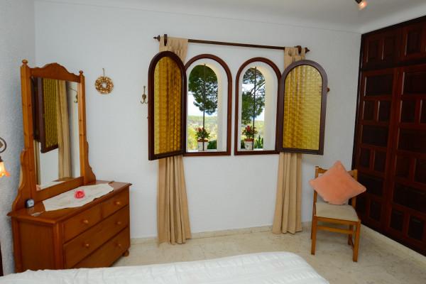 Schlafzimmer mit Meerblick zum Leuchturm im Ferienhaus Cala Ratjada