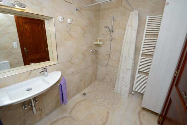 Badezimmer mit Thermostatbatterie im Ferienhaus Cala Ratjada