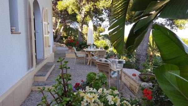 Frühstücksterrasse in der Morgensonne Ferienhaus Cala Ratjada